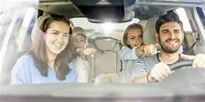 lange autofahrt mit baby wie kinder lange autofahrten meistern baby und familie