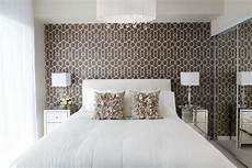 braune tapeten für schlafzimmer moderne schlafzimmer tapeten