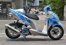 Vario 150 Modif Touring by Modifikasi Honda Vario 150 Touring Airbrush Modif Sepeda