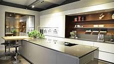 Küche Nussbaum Weiß - g design gr 252 nbeck k 252 che sale gr 252 nbeck einrichtungen wien