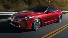 2018 kia stinger revealed detroit debut for 272kw rear