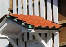 dachziegel verlegen anleitung vordach mit dachziegeln decken