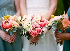 wedding flowers these autumnal offerings are for fall nuptials huffpost