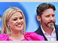 is kelly clarkson married