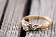 why you may want a vintage wedding ring and how to find