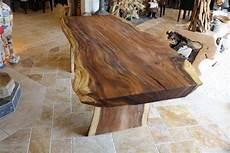 tisch aus baumstamm wurzelholz tisch baumstamm massiv quot suar quot der tischonkel