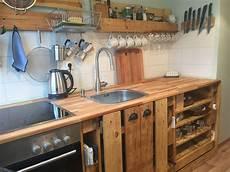 küche selber bauen aus europaletten paletten k 252 che pallet crate barnwood