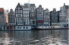 world visits amsterdam city light district