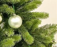 Malvorlage Tannenbaum Mit Kugeln Schwer Entflammbarern Tannenbaum 180cm Mit Kugeln Kaufen