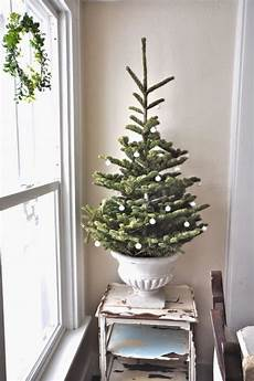 Decorations For Small Trees by Simple And Tree Decorating Ideas For 2015