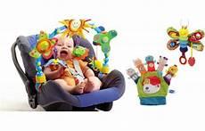 8 jouets pour voiture avec b 233 b 233 voyage en famille avec