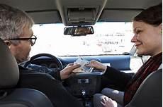 auto bar bezahlen taxi ihre rechte als fahrgast autobild de
