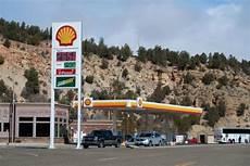 station essence espece faire plein d essence pendant road trip dans l ouest bons plans voyage
