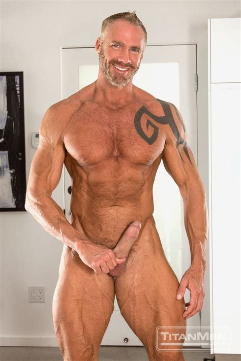 Dallas Roberts Gay