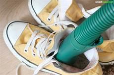 Diese Hausmittel Helfen Gegen Schlecht Riechende Schuhe