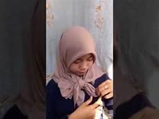 Cara Membuat Pita Jilbab Segi Empat Yang Simpel