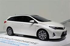 2013 Toyota Auris Hybrid Is Sharper And Sleeker In New