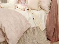 piumoni da letto piumoni matrimoniali per un letto shabby chic 25 modelli