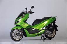 Honda Pcx Modifikasi by Pake Ban Zeneos Modifikasi Honda Pcx 150 Buat Harian