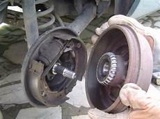 changer disque de frein clio 3 changement roulement arri 232 re clio ii dci photo
