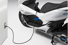 Honda Pcx Electric Picture honda pcx electric and pcx hybrid unveiled bikesrepublic
