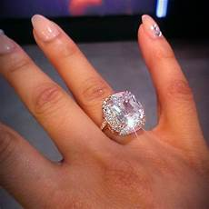 can a wedding ring be made bigger dang how can you hold your finger up with that rock hugediamondrings 1inamillion
