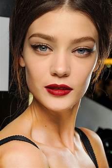 blaue augen lippenstift 1001 ideen f 252 r make up mit rotem lippenstift f 252 r die