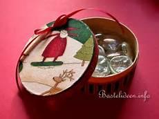 weihnachtsbasteln pappmache schachtel mit stoff