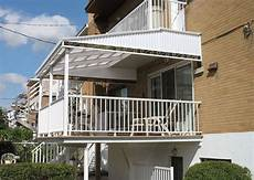 tettoie per balconi balcone a sbalzo