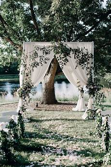 6 outdoor wedding themes that don t feel overdone weddingwire