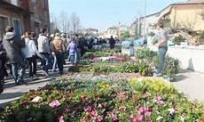 fiera dei fiori a bessica torna la grande festa dei fiori castellana