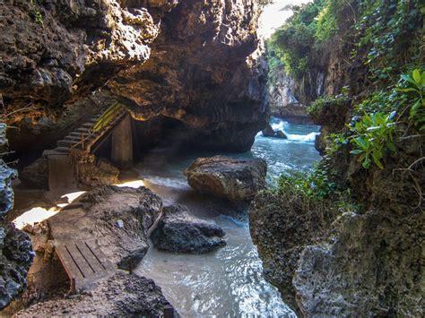 Suluban Beach Cave