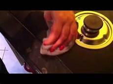 comment nettoyer sa plaque de cuisson avec de l eau