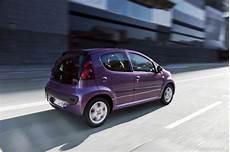 Peugeot 107 1 0 2 Tronic Im Fahrbericht Kleinwagen Im