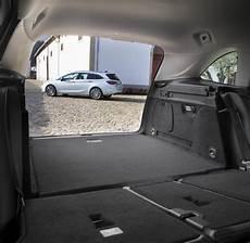 kofferraumvolumen opel astra kombi astra sports tourer so will opel seinen erfolg ausbauen welt