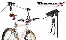 kinderfahrrad zum anhängen fahrrad an decke h 228 ngen fahrrad hebezeug garagendecke