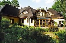 haus im landhausstil massivhaus grunewald villa im bayerischen landhausstil