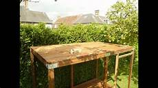 construction cabane bois enfants avec toboggan