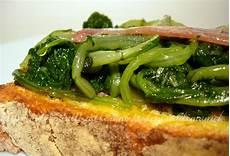 cucinare bietola bruschette di bietola all acciuga ricetta rustica le