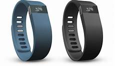 apple inc nasdaq aapl fitbit s strategy to compete with apple aapl