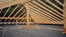 dachkonstruktionen aus holz zimmerei holzbau vomhof qualit 228 t in holz