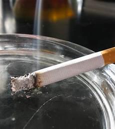 wie bekomme ich zigarettengeruch aus dem auto
