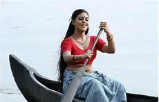 malayalam iniya spicy deep navel show in blouse photos ha