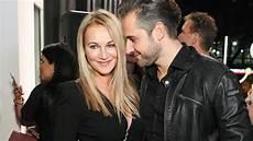 Caroline Beil Und Philipp Sattler Sind Verlobt