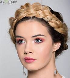 Hairstyles For With Crown