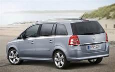 Opel Zafira 7 Sitzer - cyprus car hire pacific rentals cyprus