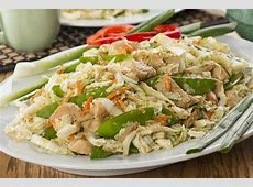 chinese pasta salad with shellfish image