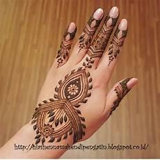Gambar Hiasan Tangan Menggunakan Henna Kata Kata