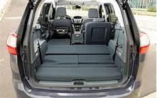 coffre ford c max essai comparatif ford grand c max contre peugeot 5008