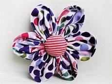 Blumen Aus Stoff Basteln - n 228 hen mit cherrygr 246 n bl 252 tenzauber stoffblumen blume